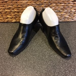 Aerosoles Black Diminish Slip On Booties
